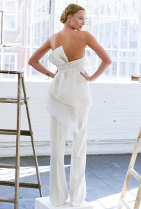 bridal-fashion-week-trends-spring-2017-bow-back-lela-rose
